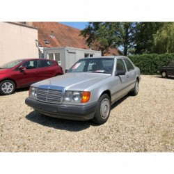 Mercedes E300 06/1986